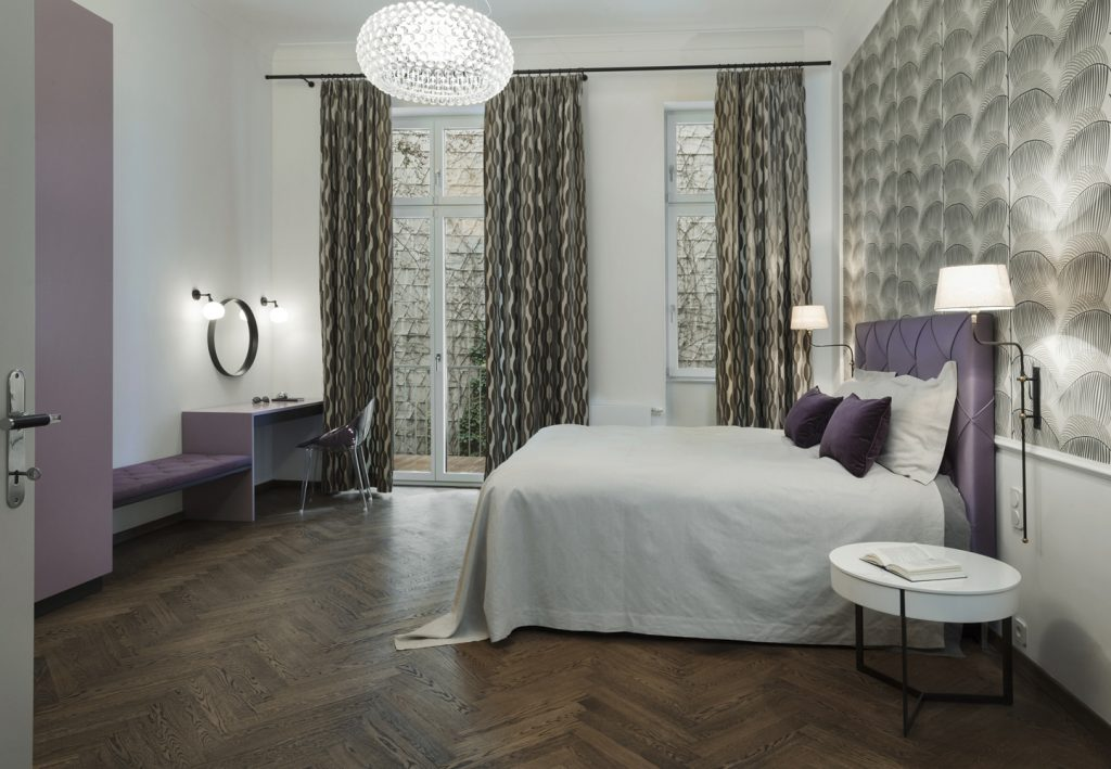 bedroom purple-luxurious bedroom Vienna-bedroom interior design Vienna