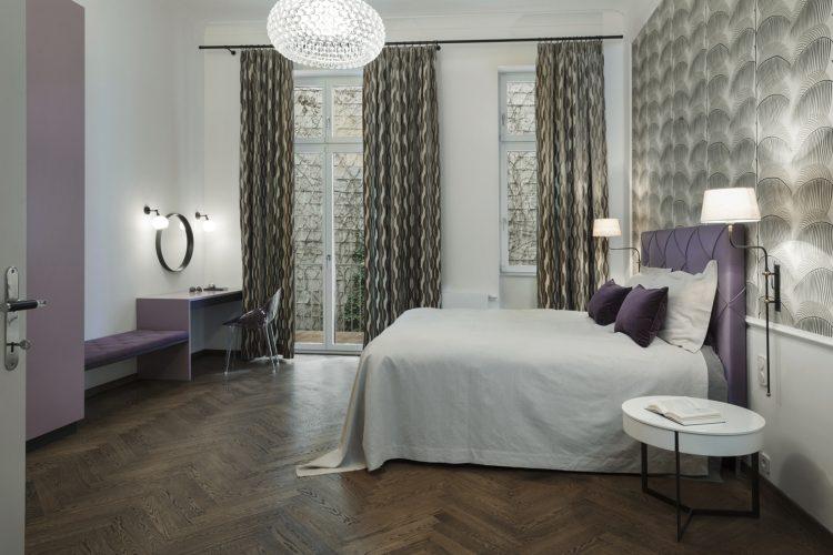 Schlafzimmer lila-Schlafzimmer Luxus Wien –Boutique Hotel Schlafzimmer Wien-Schlafzimmer Einrichtung Wien