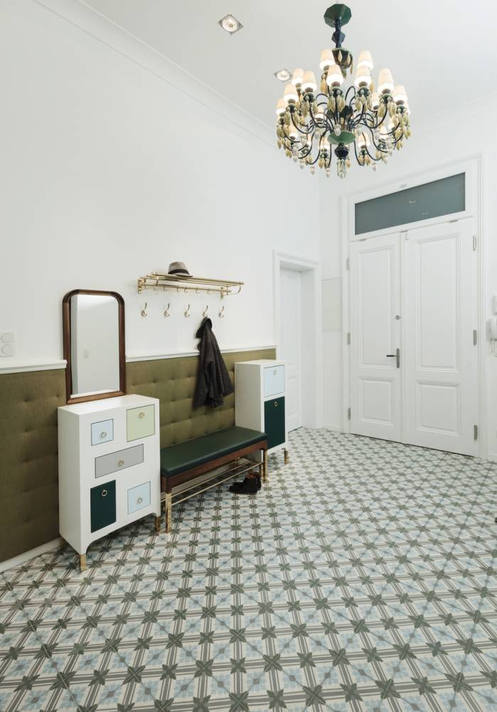 Classic style entrance room-customised hallway furniture Vienna-shades of green and blue-hallway design Vienna -concrete tiles from Morocco-porcellain chandelier